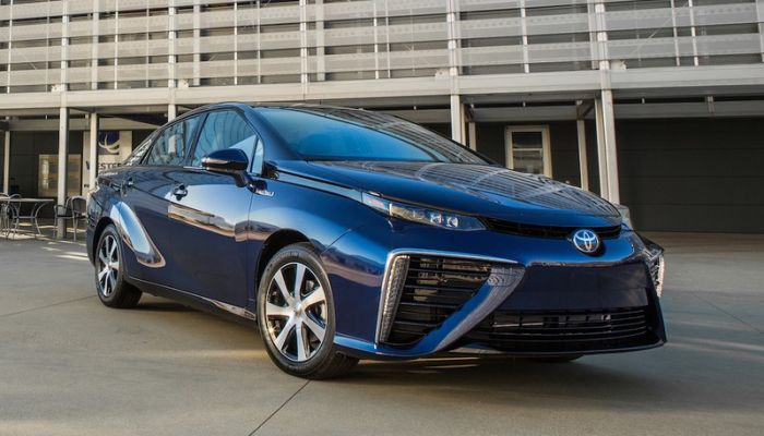 Hybrid cars are beneficial to fuel economy